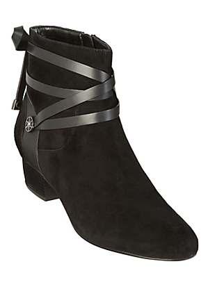 van dal shoe boots